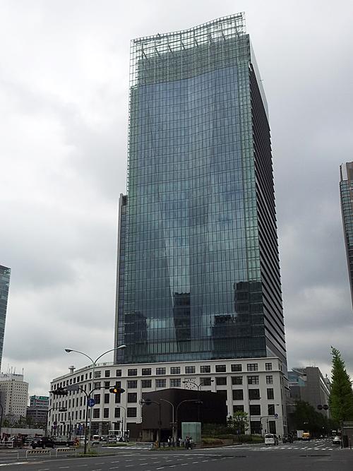 東京中央郵便局の敷地に完成した、JPタワー