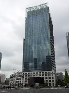 東京中央郵便局の入るJPタワー