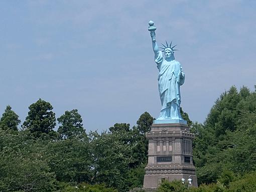 日本一の自由の女神像(青森県上北郡おいらせ町)